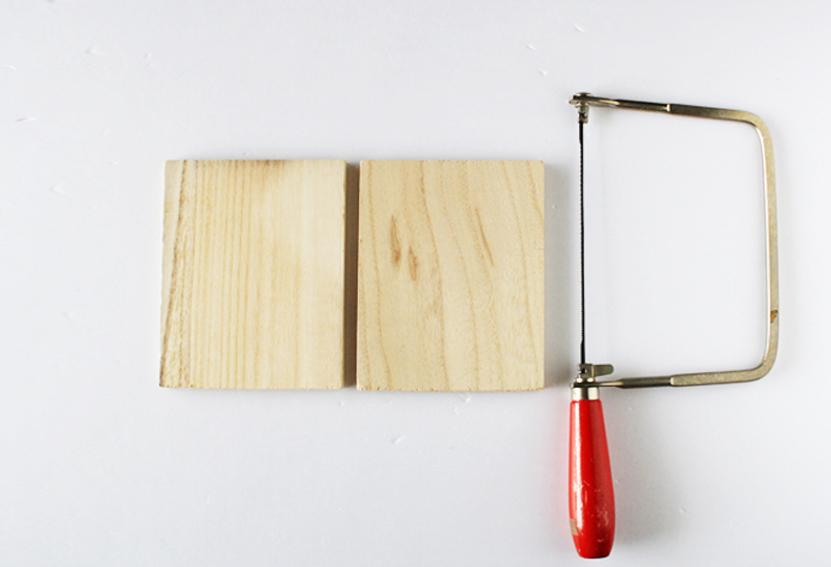 セリアの木板をカット