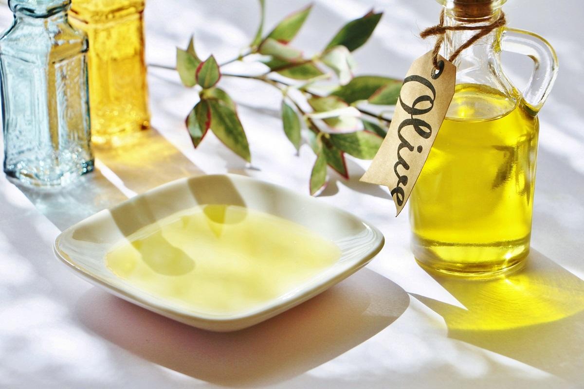 【食用オイルの種類と効果】目的に合わせたオイル選びで、体の中から健やか&キレイに導く