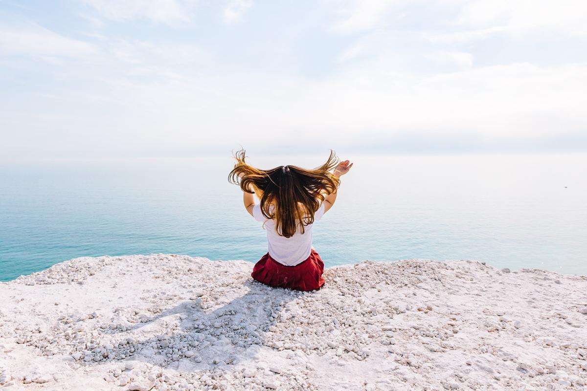 夏の髪ダメージをリセット!髪に潤いを持たせる自宅で簡単ヘアケア方法とは?