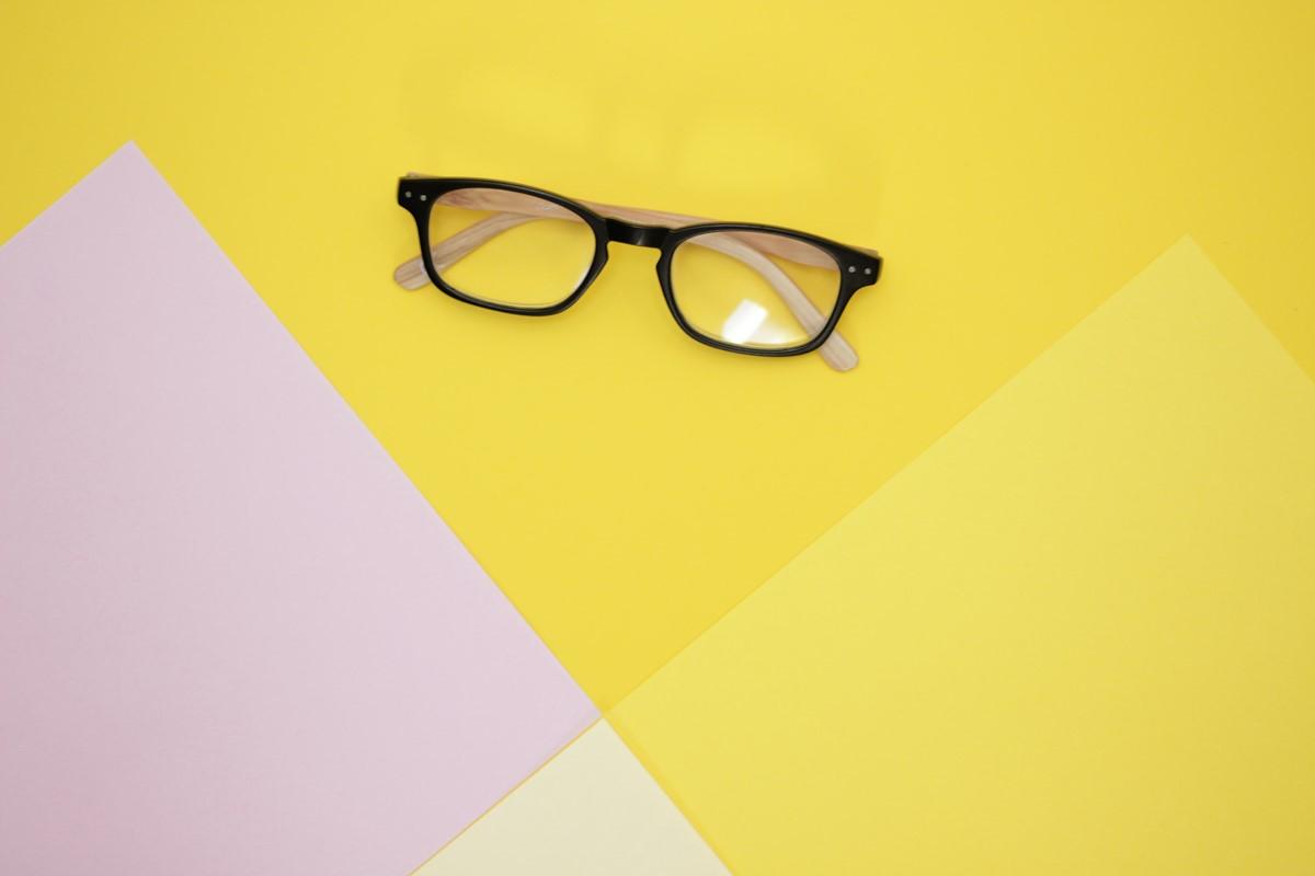自宅で簡単!メガネを長持ちさせる普段のお手入れ方法