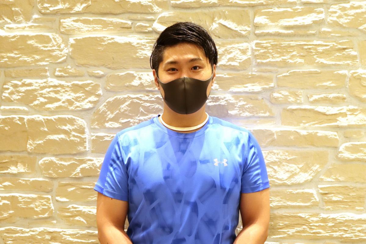 『スポーツクラブNAS なんばパークス』でジム・スタジオリーダーを務めるトレーナー・新開 翔さん