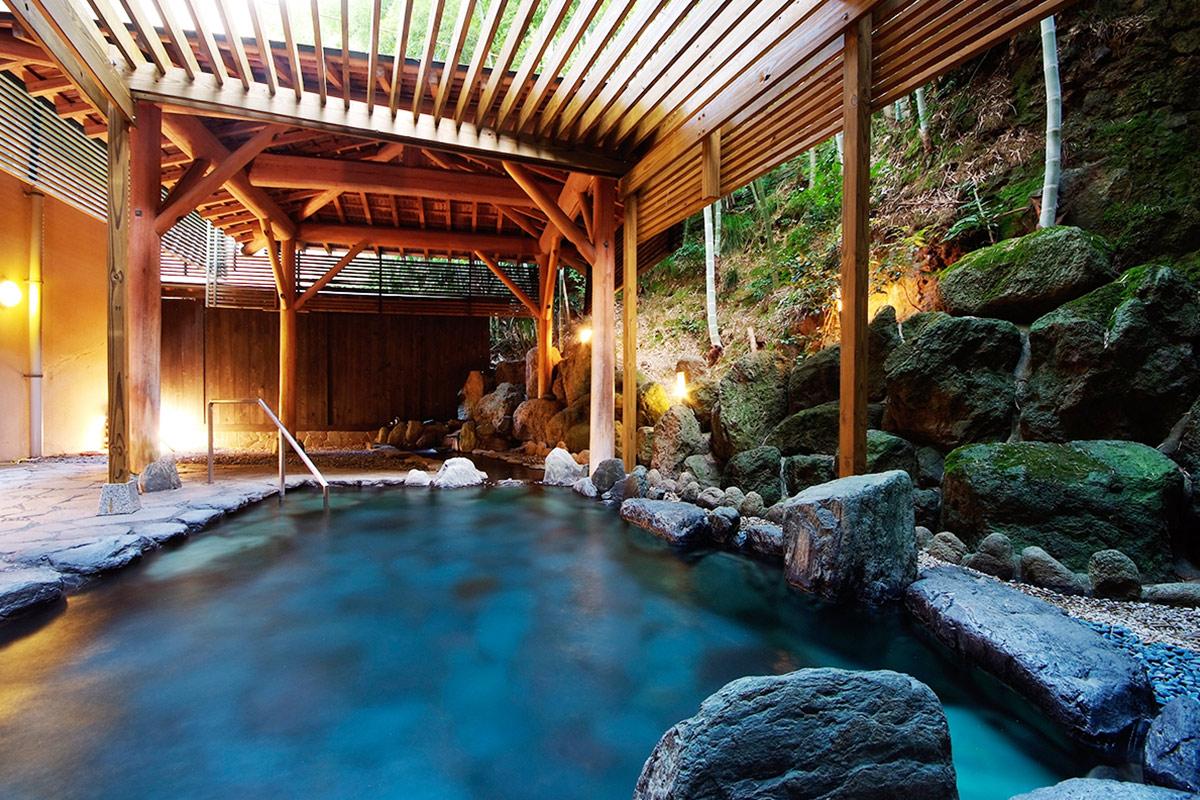 やまの湯の露天風呂