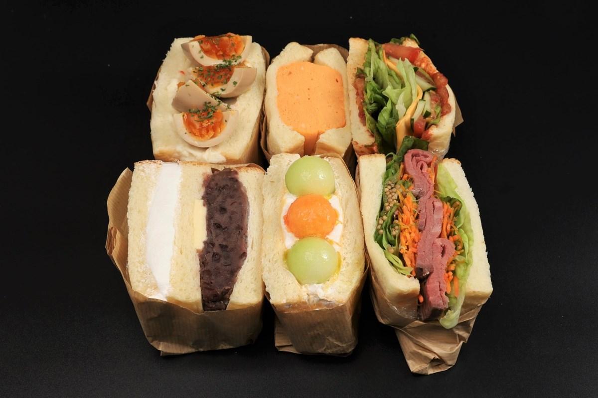 【梅田】テイクアウトOK!バナナジュースと大迫力サンドのコラボ店オープン