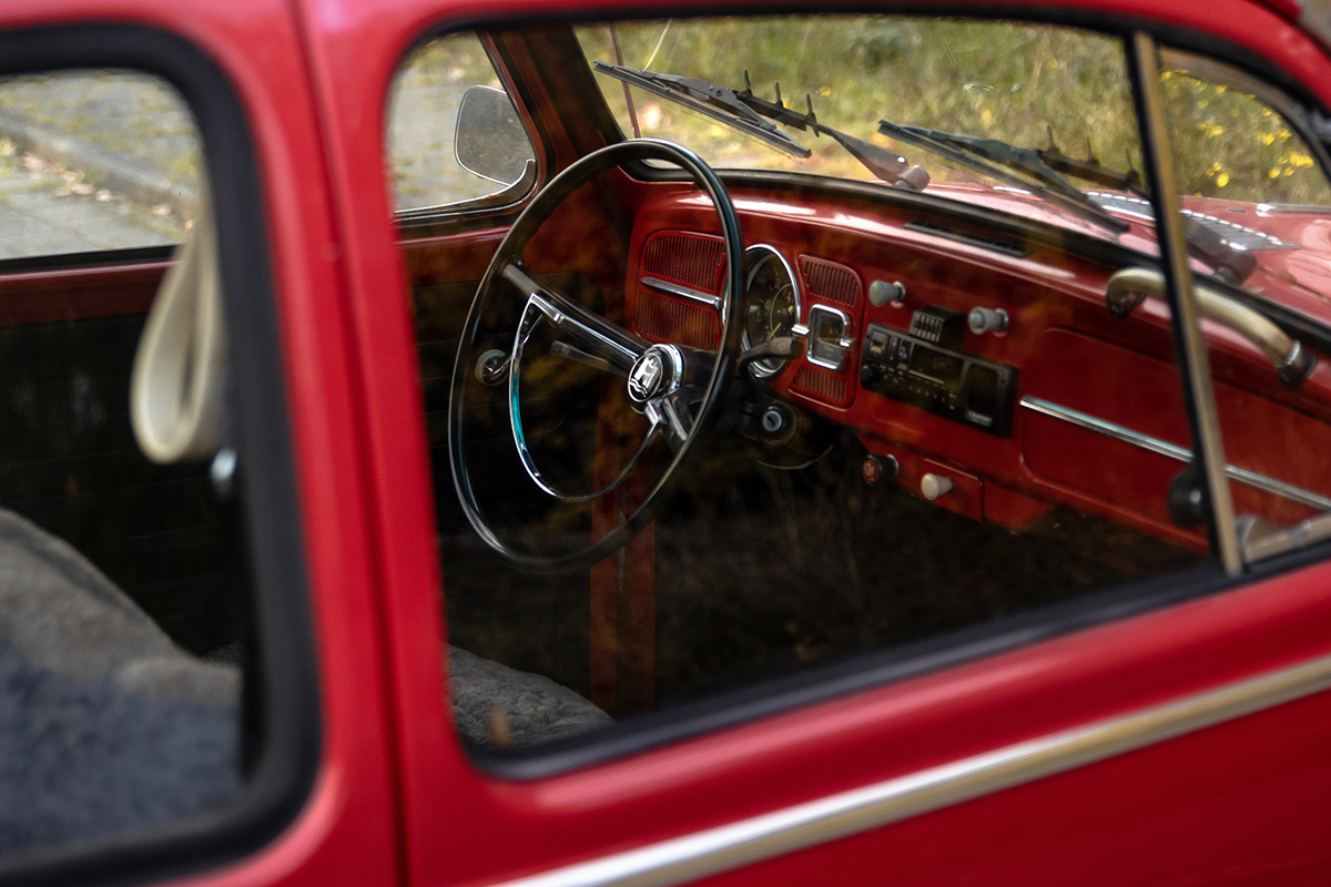 【危険】9月でも車内温度は60℃に!?車内放置してはいけないもの10選