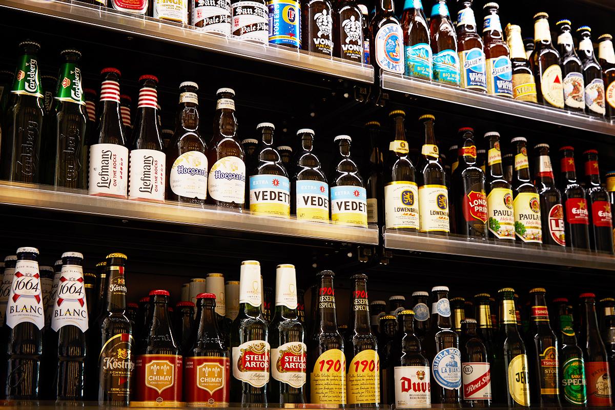『梅田スカイビル』で世界のビール飲みくらべイベント開催!