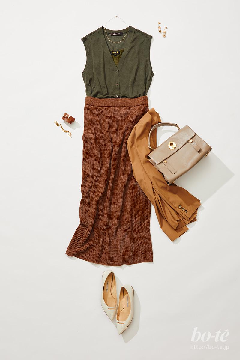 ブラウンのタイトスカート