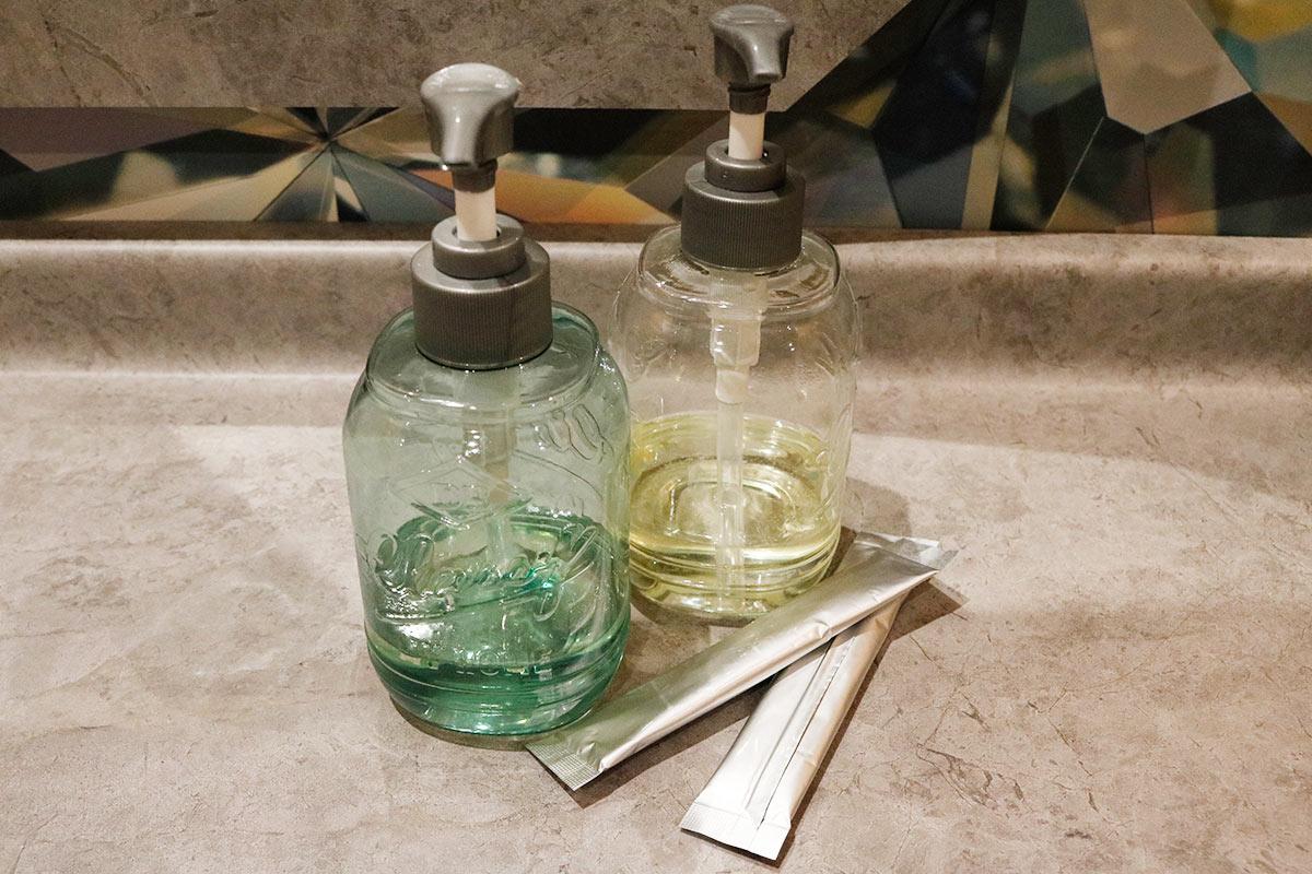 コラーゲンは飲んで塗って浴びて補給!新感覚「美容習慣」の効果とは