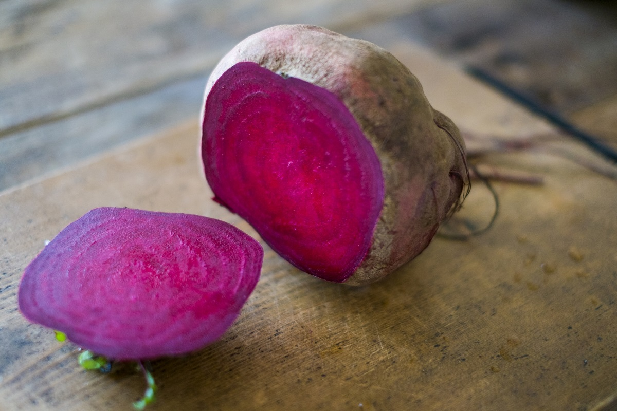 「食べる輸血」と呼ばれる奇跡の野菜ビーツ、ミキサーいらずの食べ方アイデア3つ