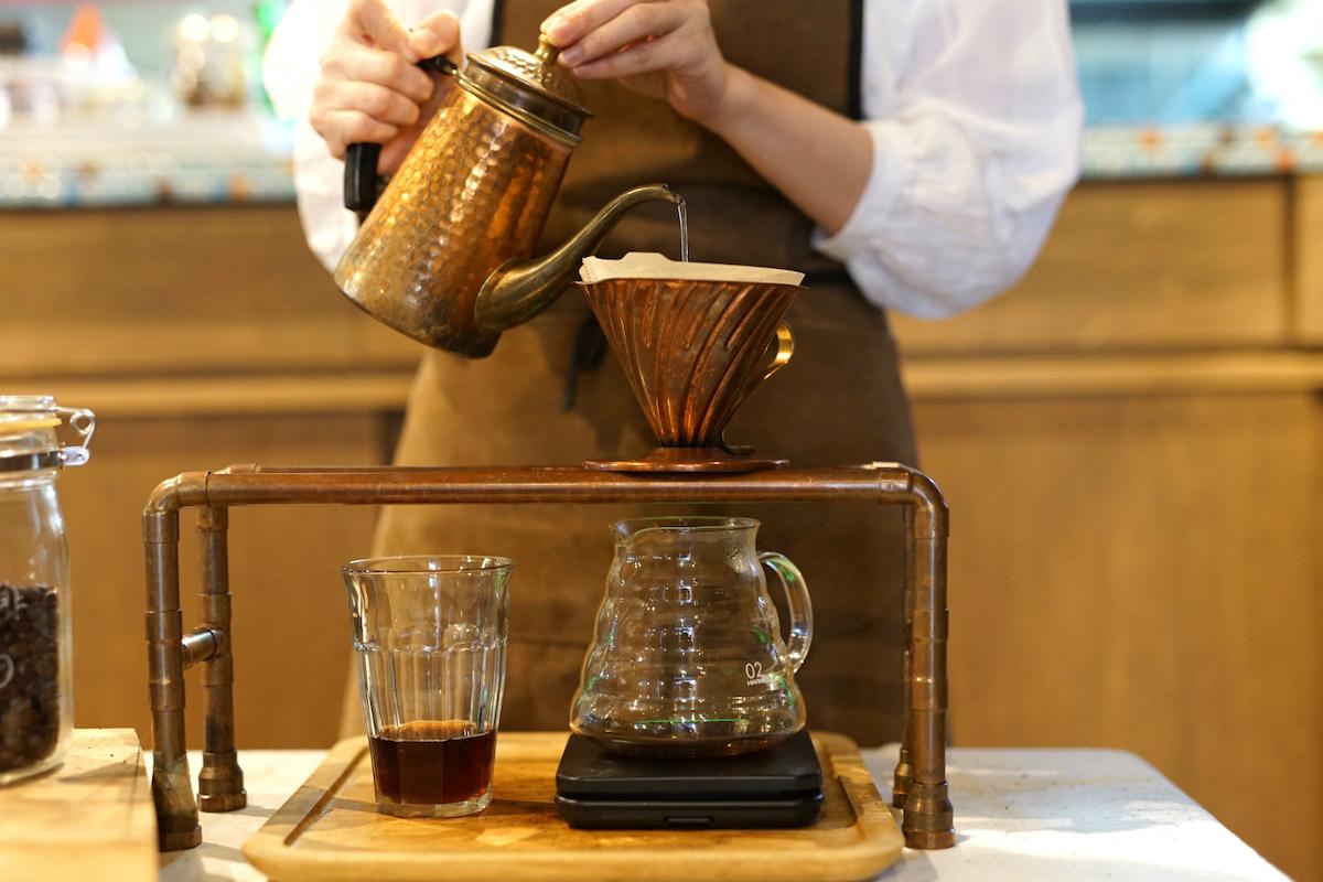 ドリップコーヒー提供