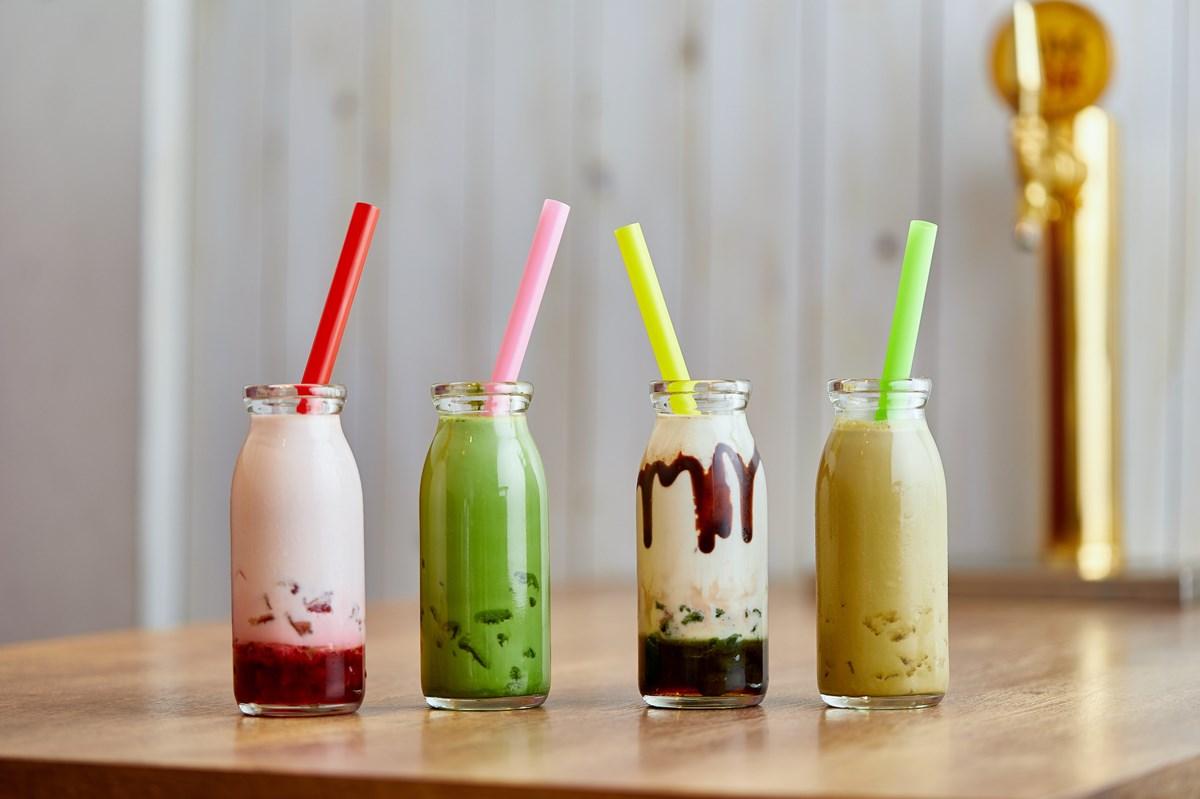 【なんば】牛乳瓶入りのわらび餅ドリンクが写真映え!『タイガーリリー喫茶』