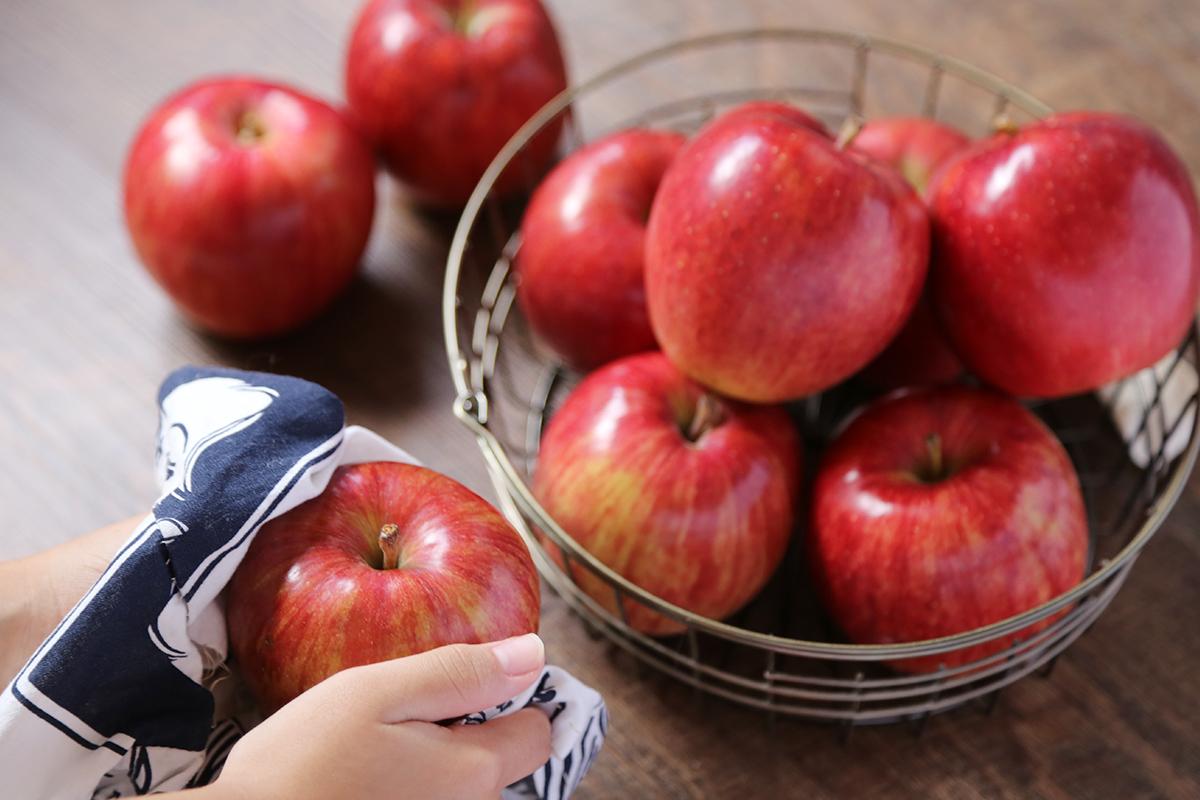 青森りんごのテカテカ