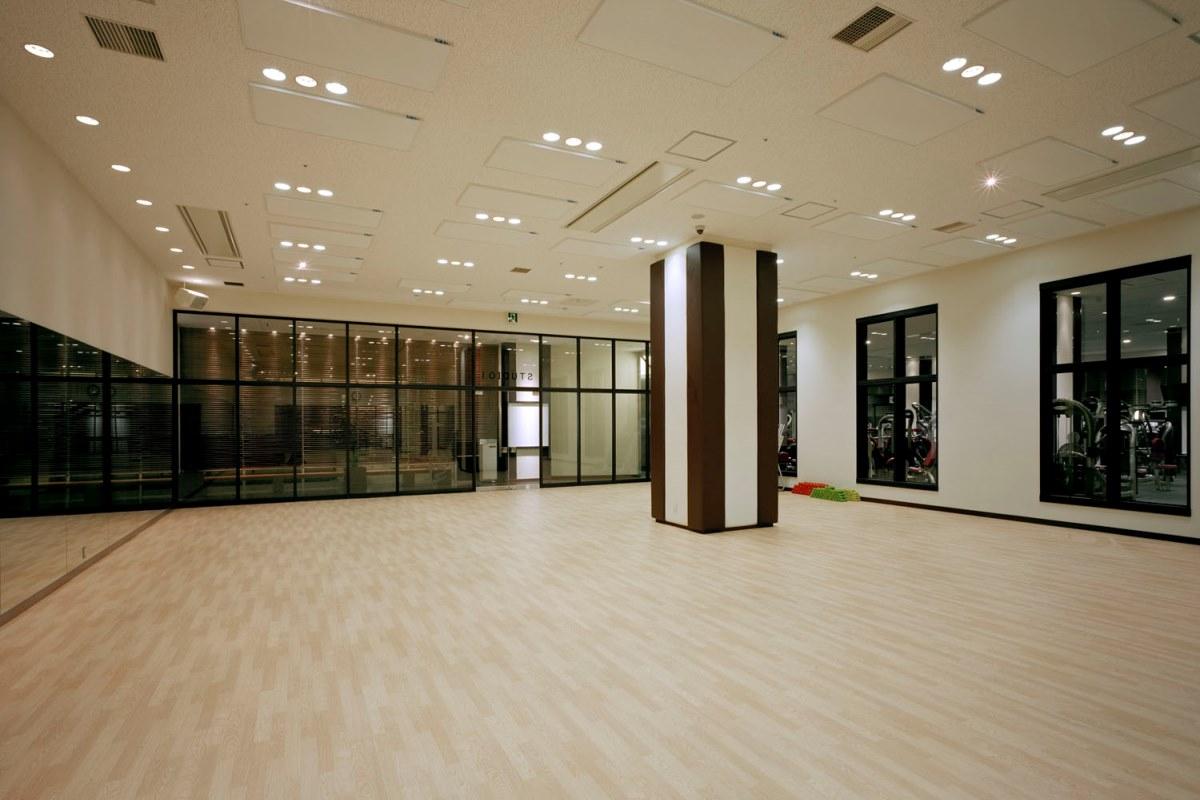 『スポーツクラブNASなんばパークス』スタジオ