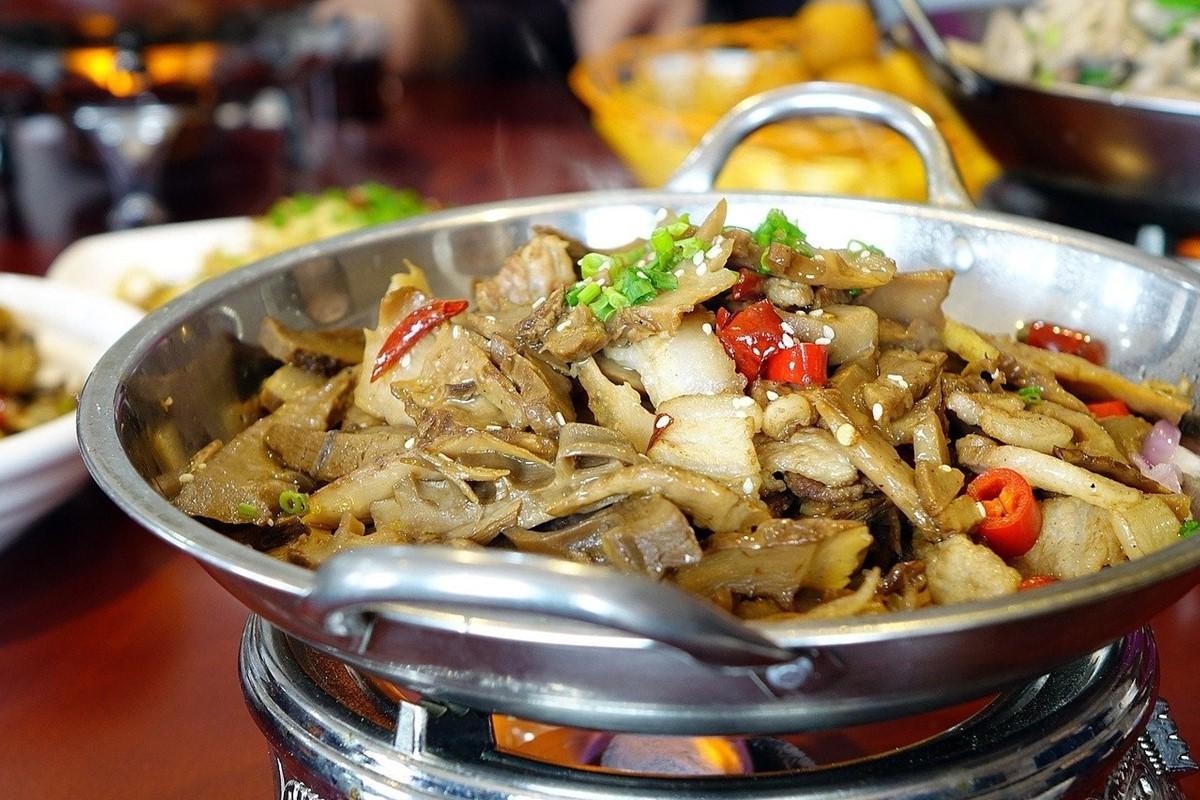 中国料理は大皿が特徴