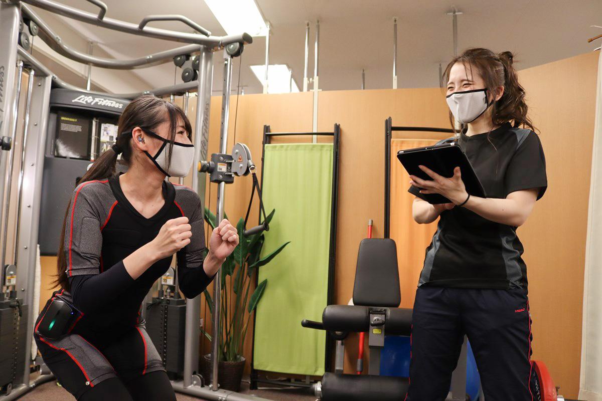 大阪梅田のトレーニングスタジオPOUはEMSトレーニングが完全マンツーマン