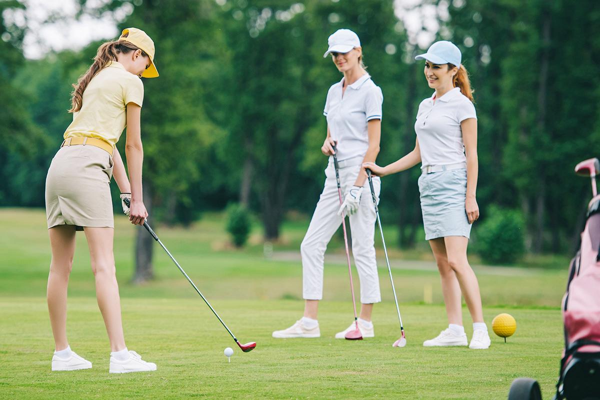ゴルフ服装