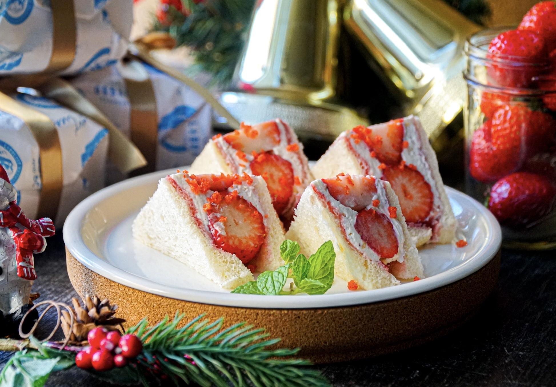 『レブレッソ』にいちごのショートケーキ風フルーツサンドが冬季限定登場