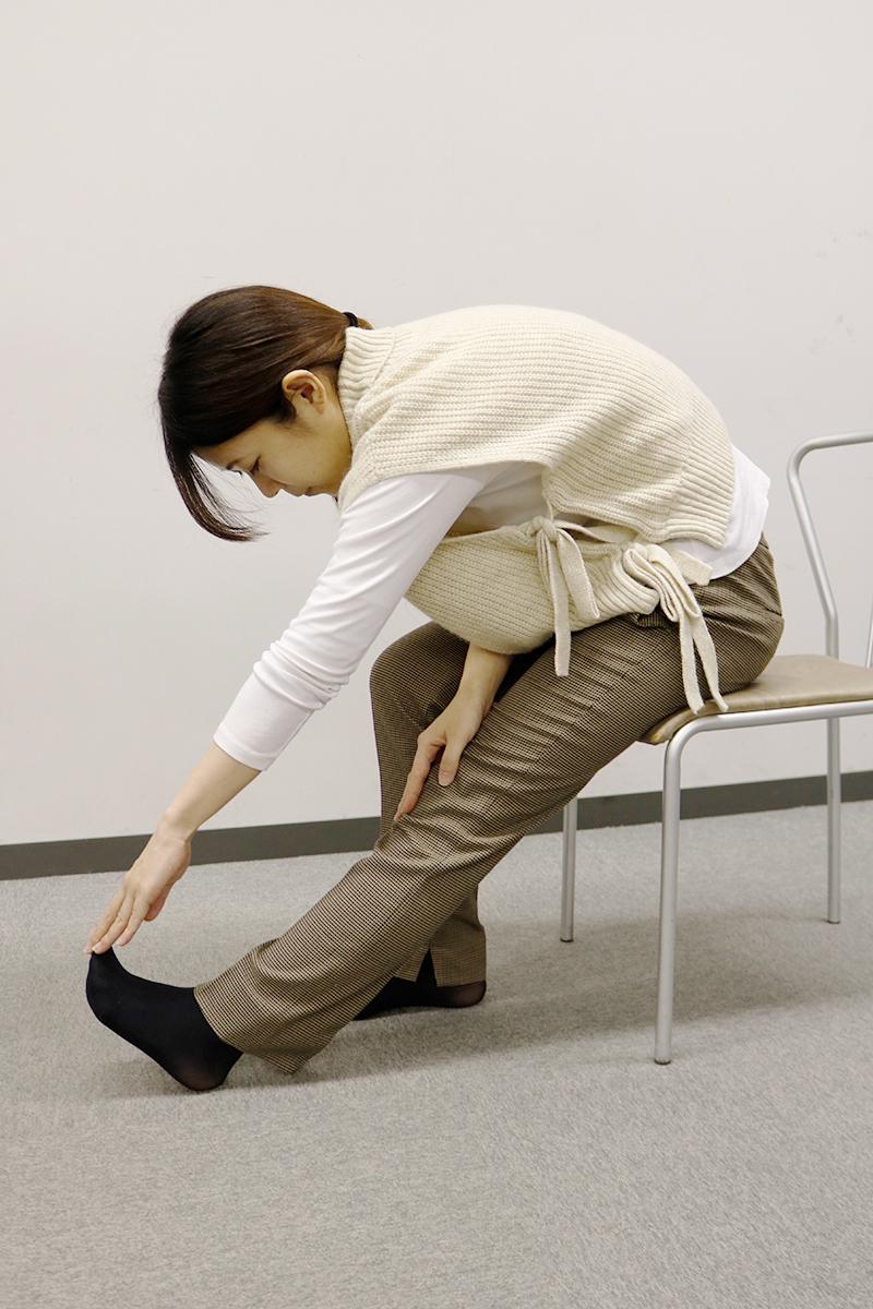 【足がつった時の対処法3】もも裏のストレッチ