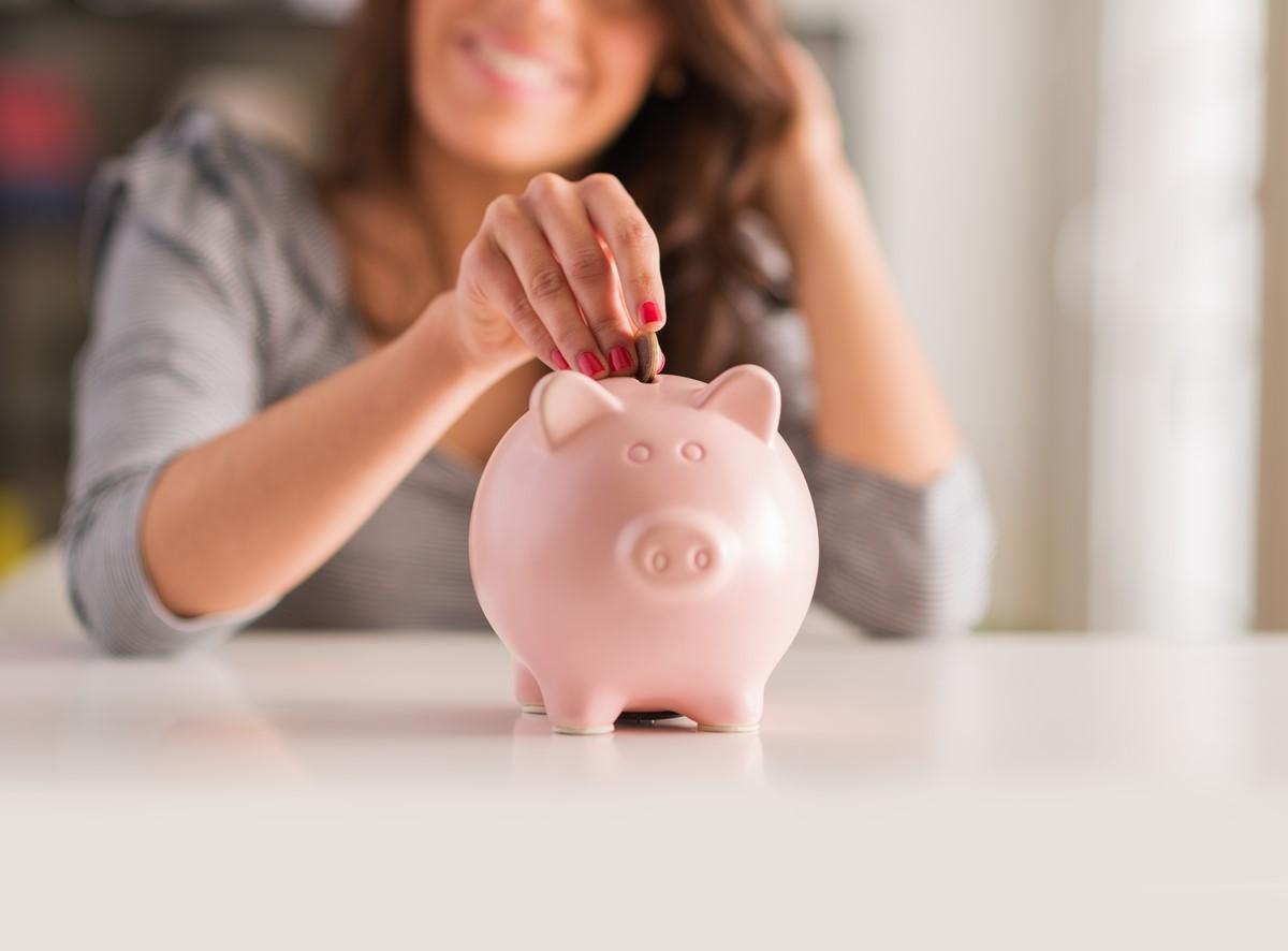 【20代の貯金額】平均っていくら?お金を貯めるコツとタイミング