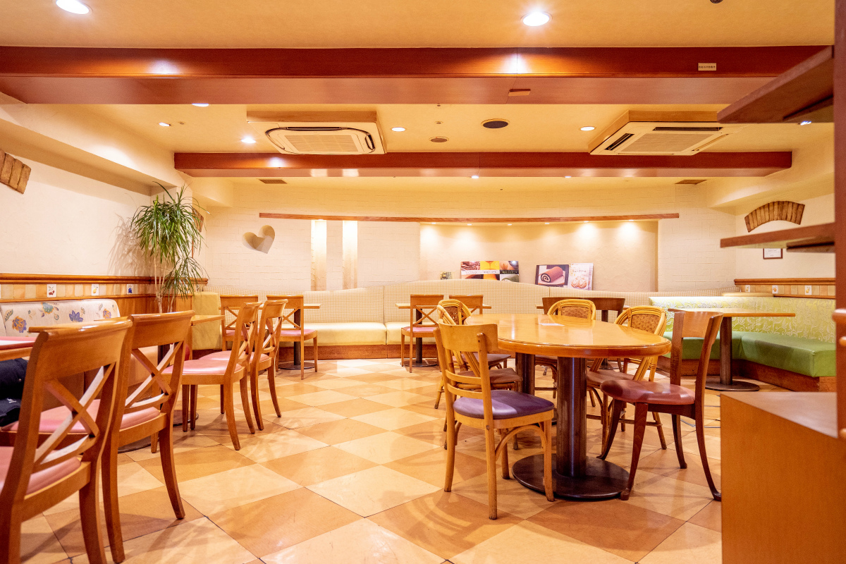 1Fカフェスペース