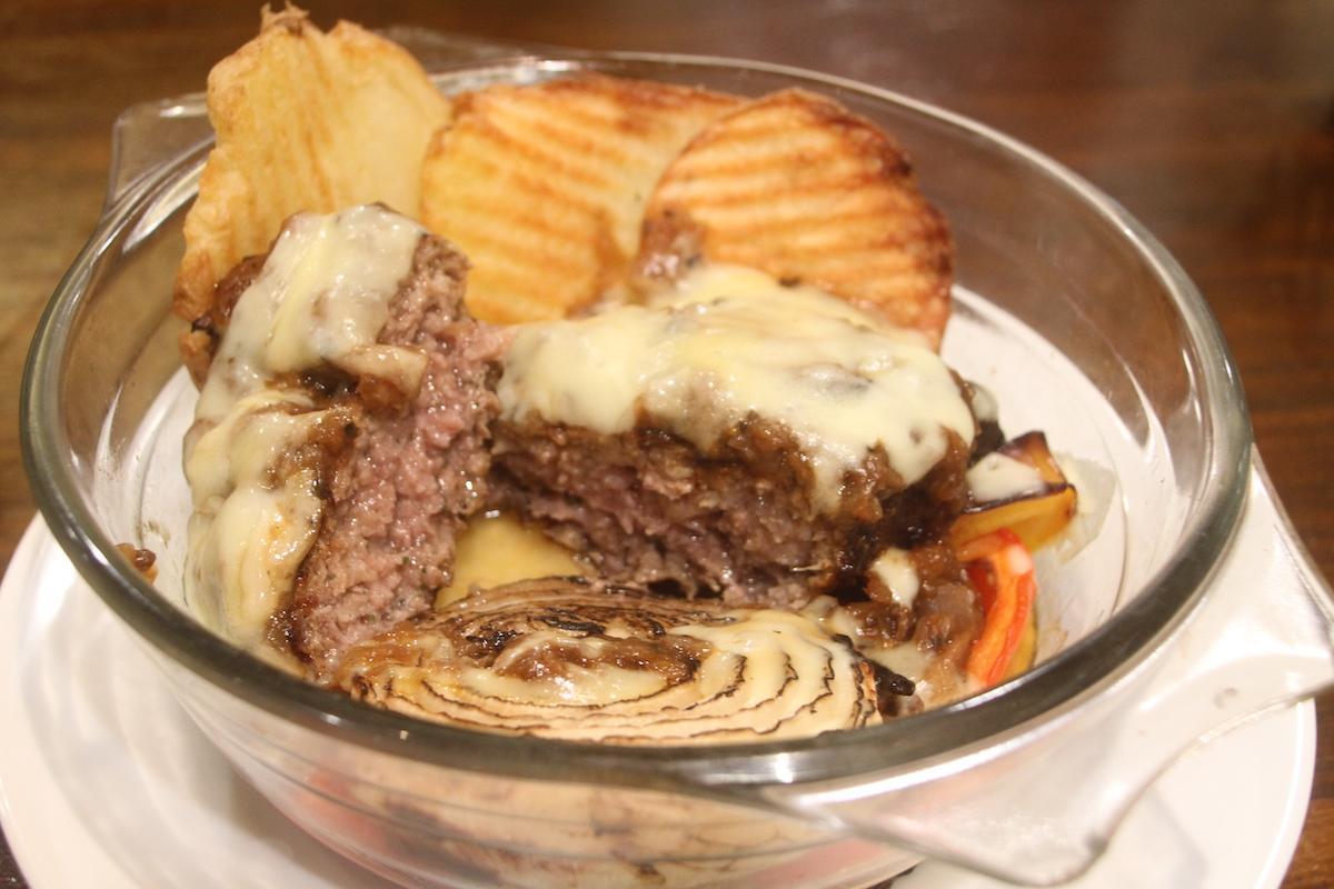 コム・シノワの「チーズハンバーグステーキパン屋さんのスタイル」