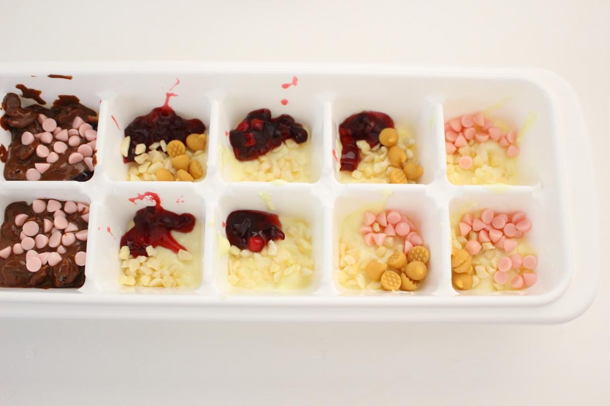 製氷皿チョコトッピング