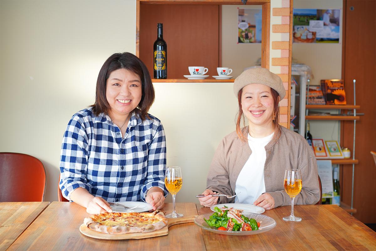 名寄市aozoraで食事する二人