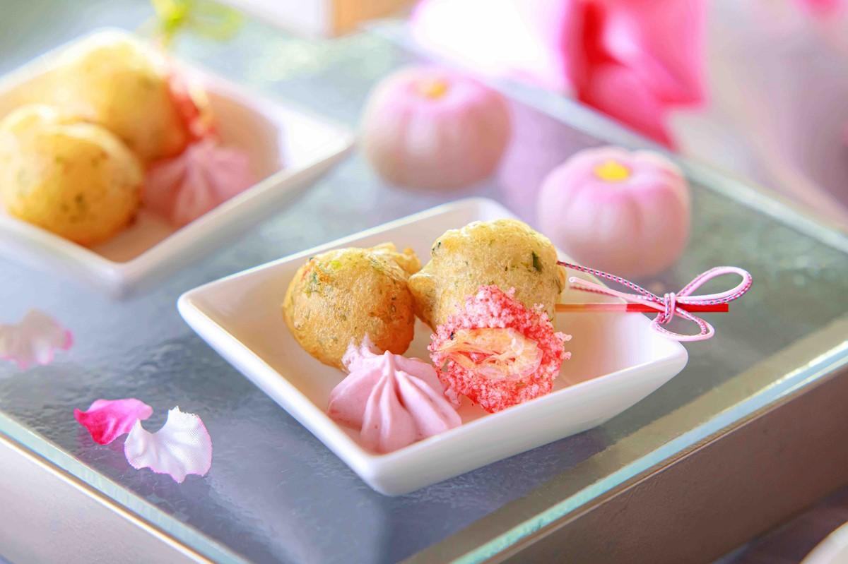 ANAクラウンプラザホテル大阪の桜ピンクアフタヌーンティーの一品桜エビのゼッポリーニ