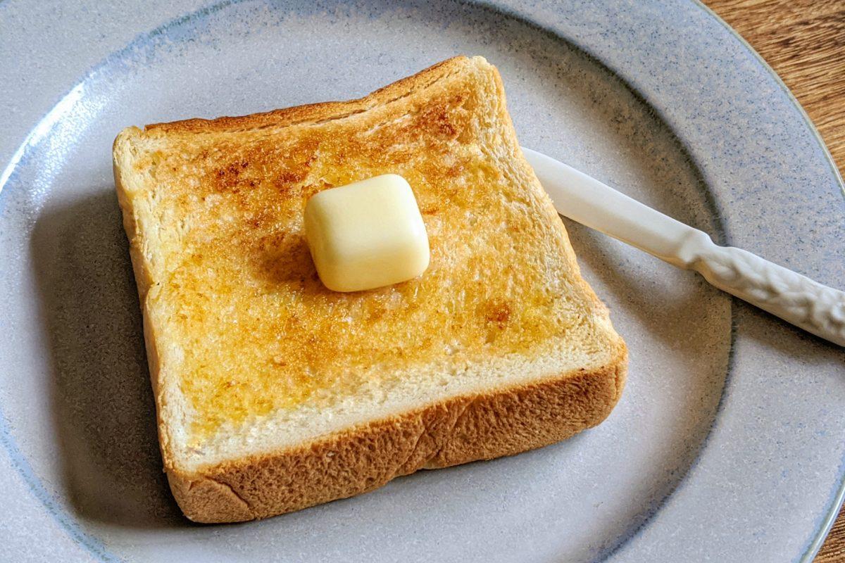 パンデシンプルプレミアムハニーでバタートースト