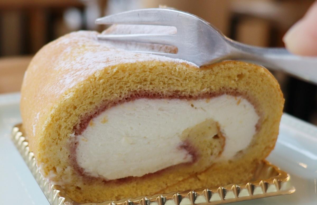 米粉ロールケーキのアップ