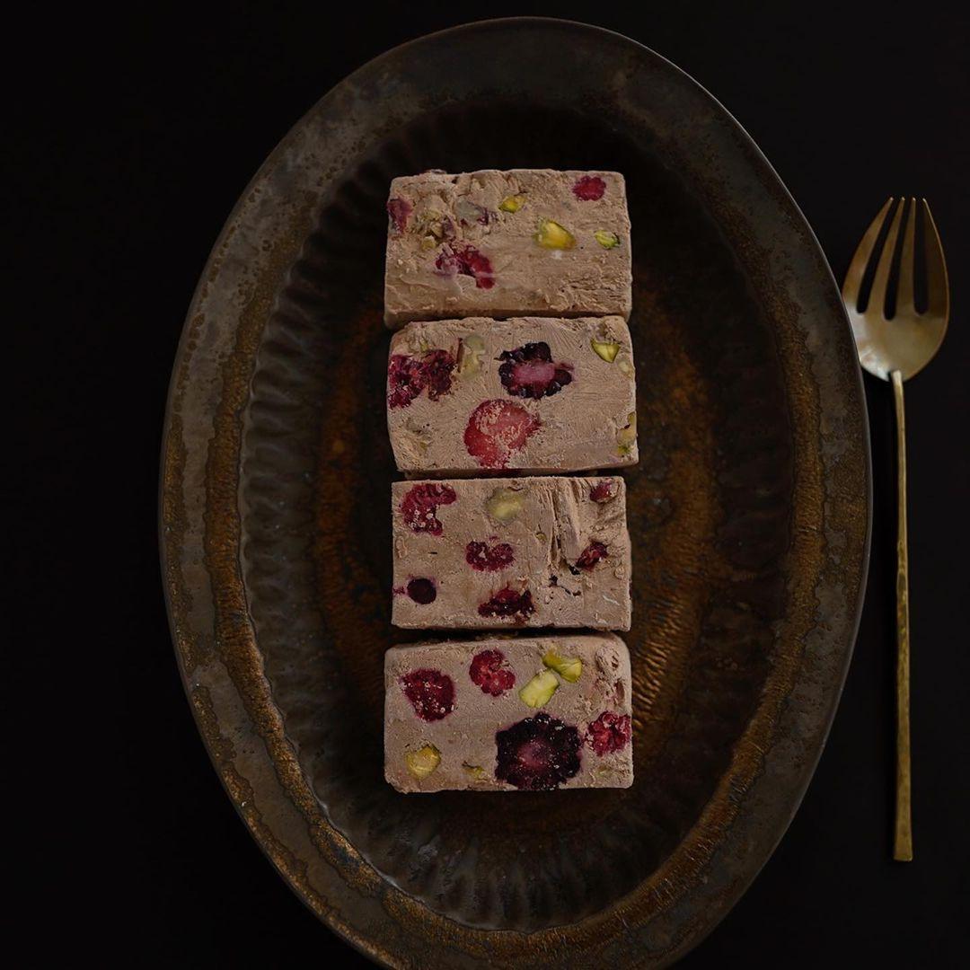 チョコレート味のカッターサ
