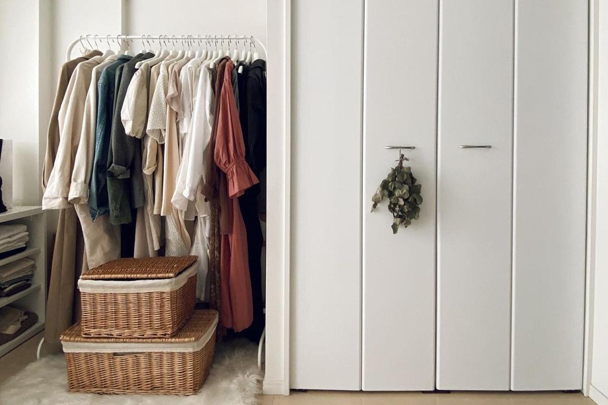洋服の収納力がアップする方法とは?クローゼットの簡単な整理整頓術