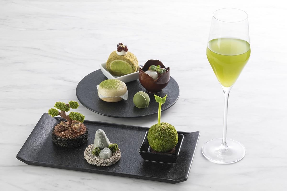 「福岡・八女茶アフタヌーンティー」のスイーツと「八女伝統本玉露」の水出し茶
