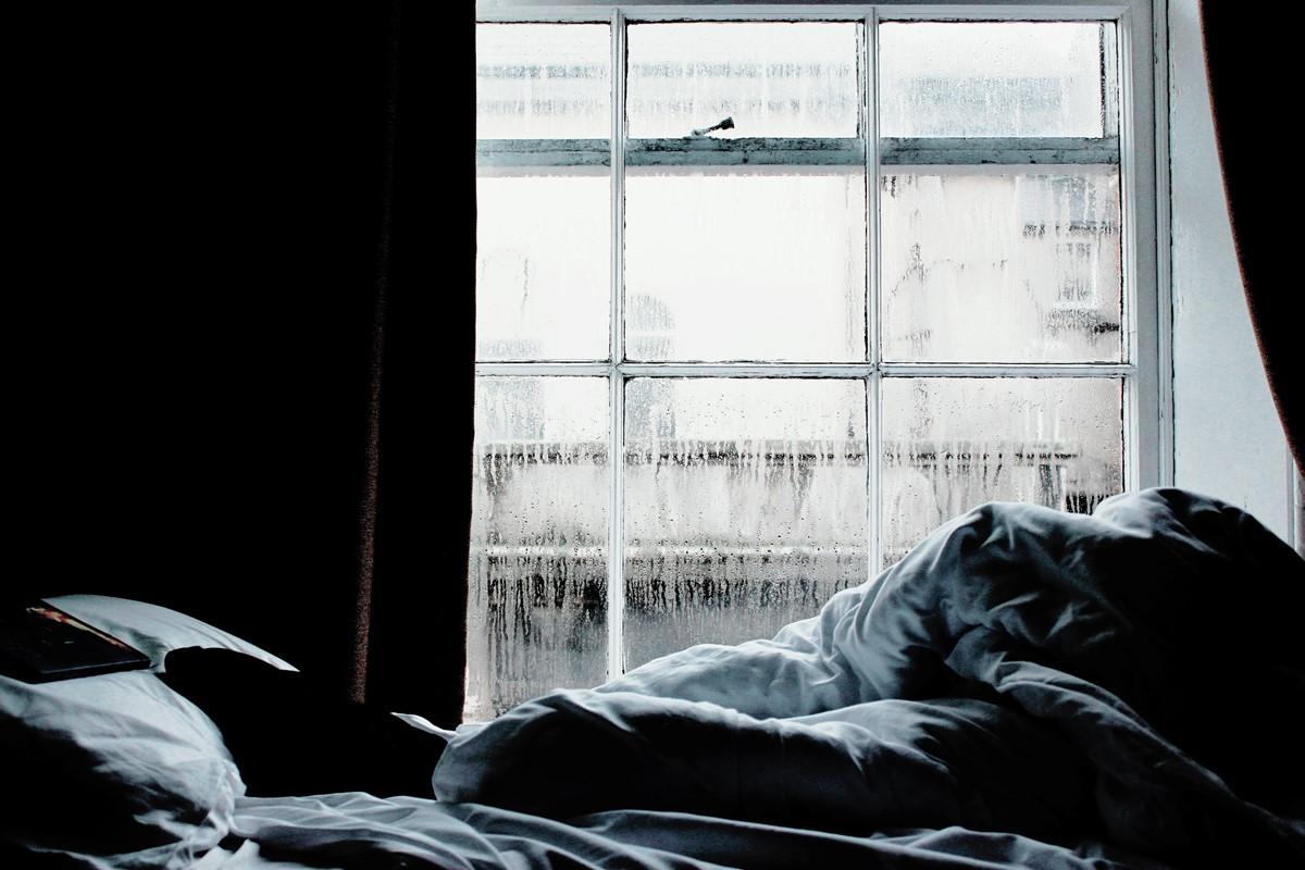寝室は湿気がこもりがち