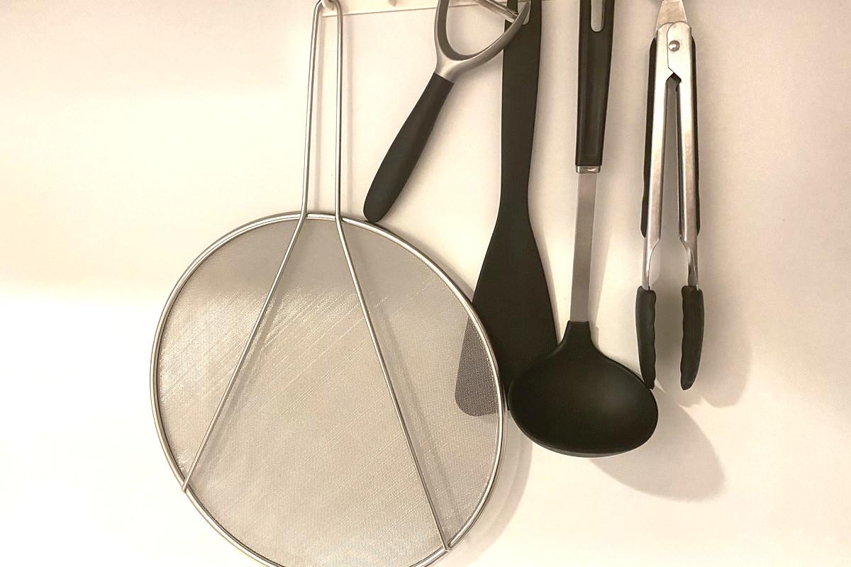 ニトリの「油はね防止ネット」使い方アイデア!1つあればキッチンで大活躍