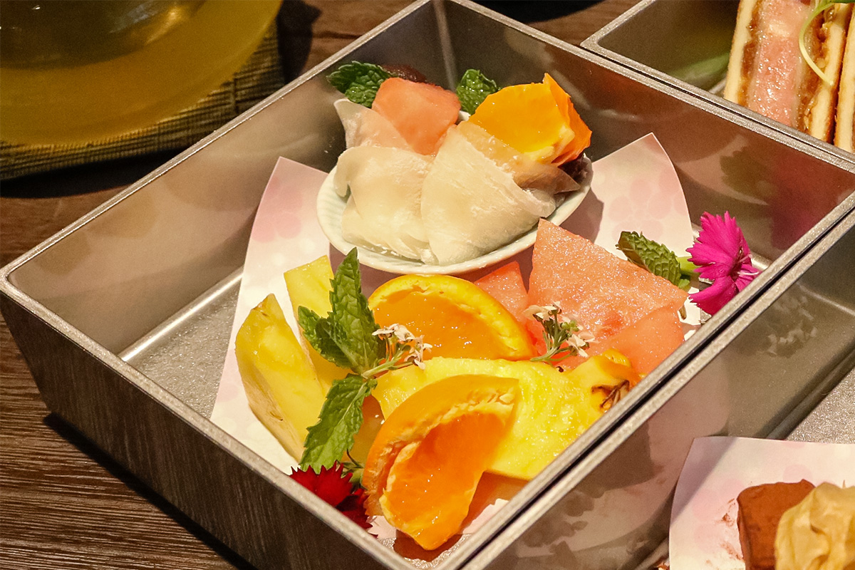 フルーツと和菓子のお重