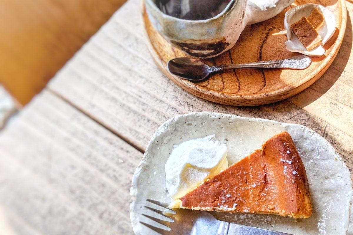 ハaハaハaのチーズケーキとコーヒーとクッキー