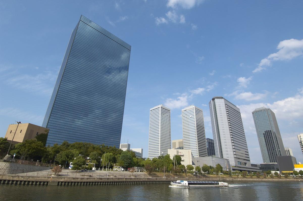大阪京橋・OBPのビル群