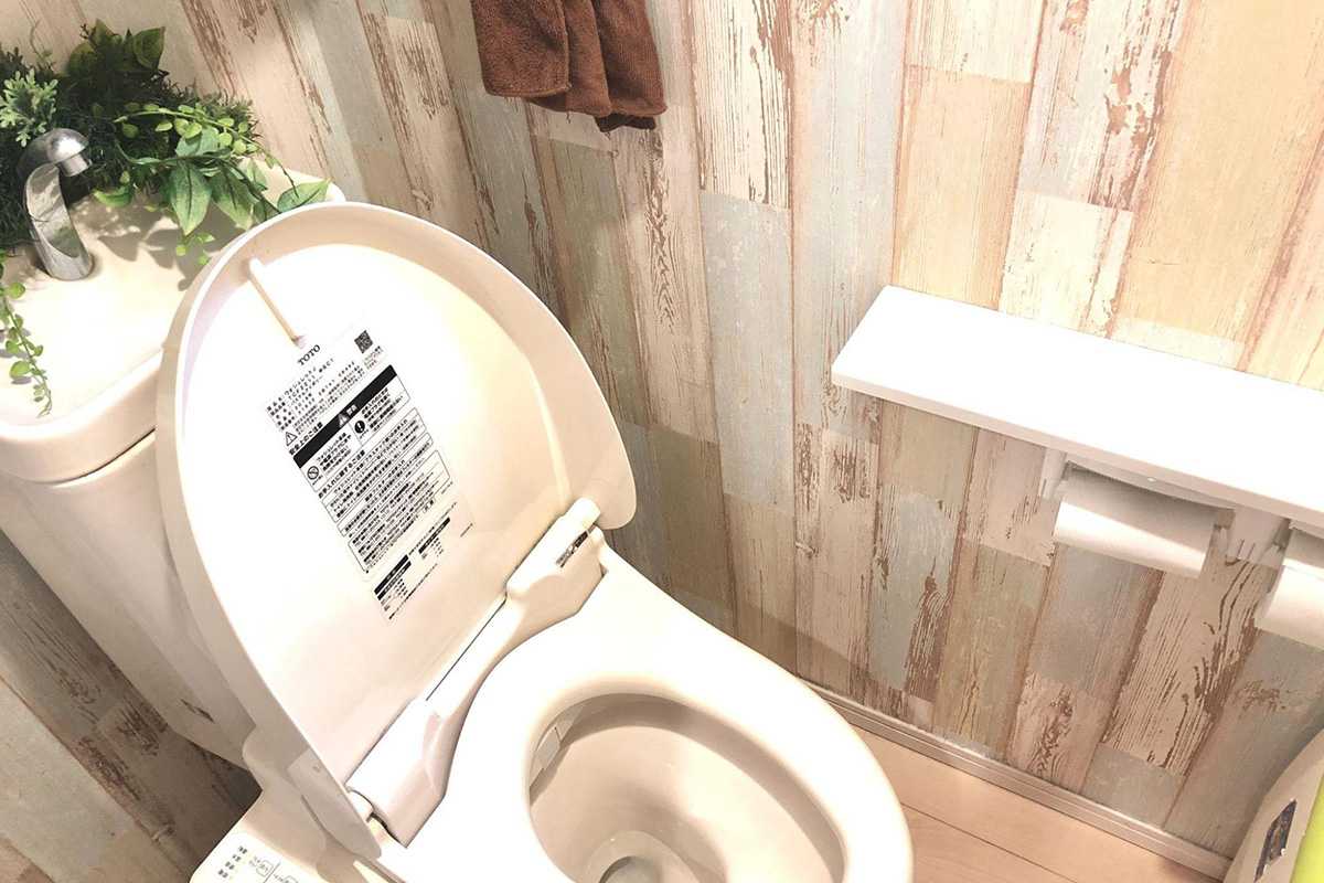 ブラシなしでトイレ掃除!手間なくトイレ空間を衛生的に保つアイデア