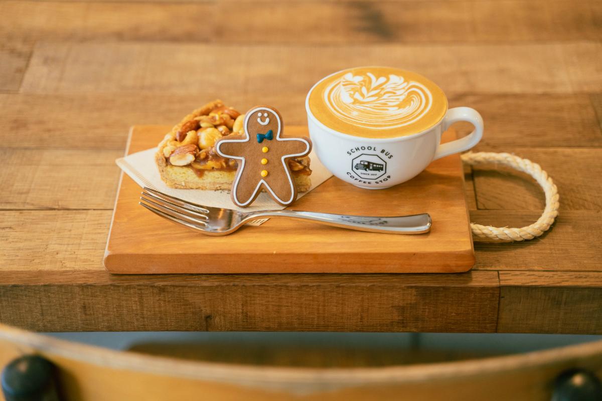 【北浜】「SCHOOL BUS COFFEE STOP」で楽しむ豊かなコーヒー時間