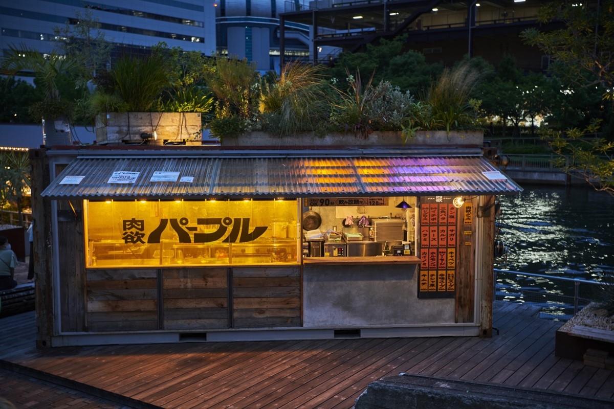 【大正】100%屋外席の焼肉店「肉欲パープル」がタグボート大正に誕生
