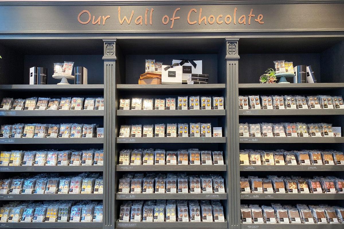 ホテルショコラのチョコレートウォール