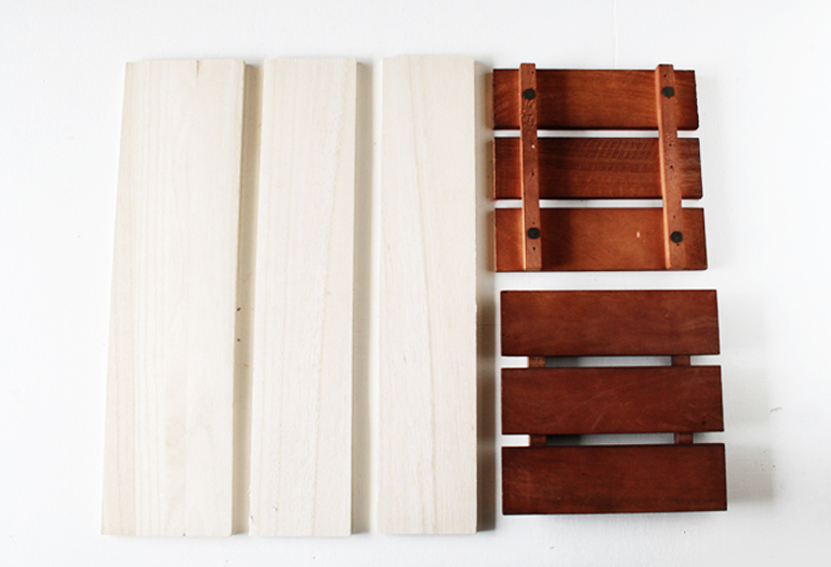 100均の木材とウッドパネル