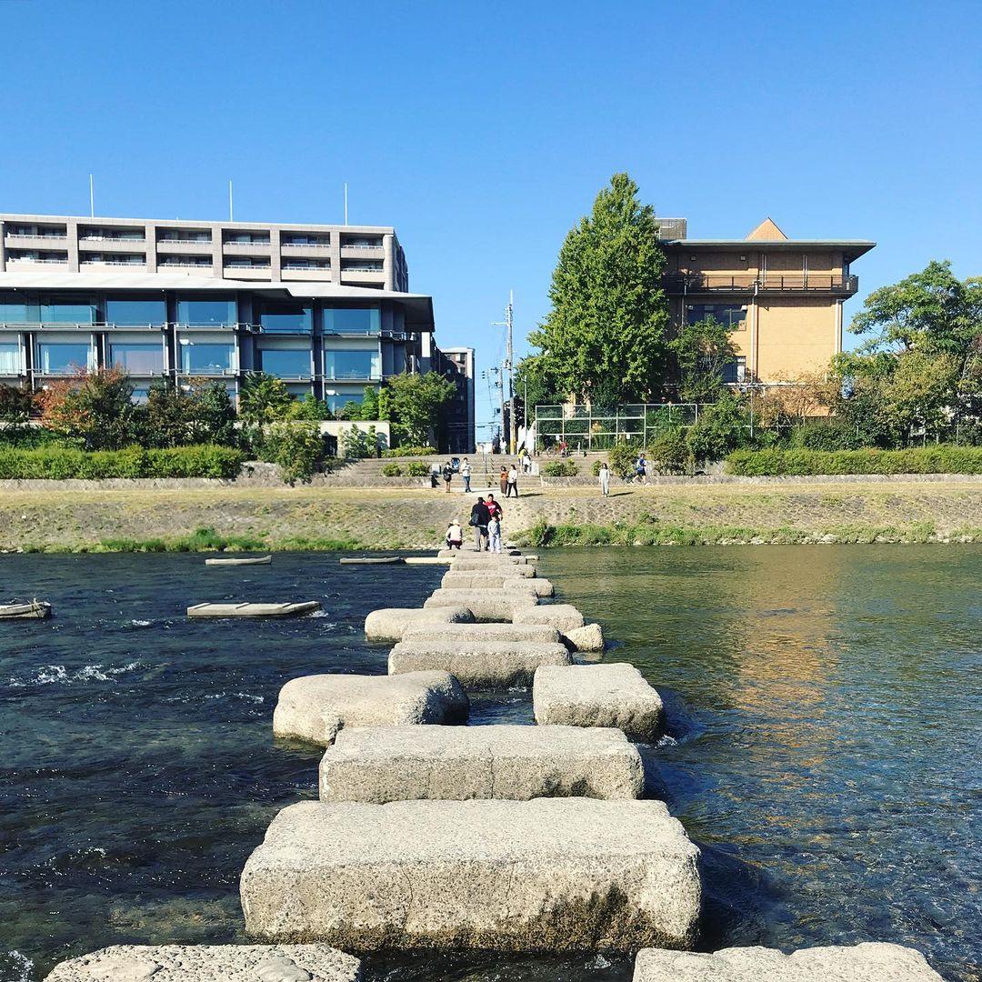 二条橋付近の飛び石