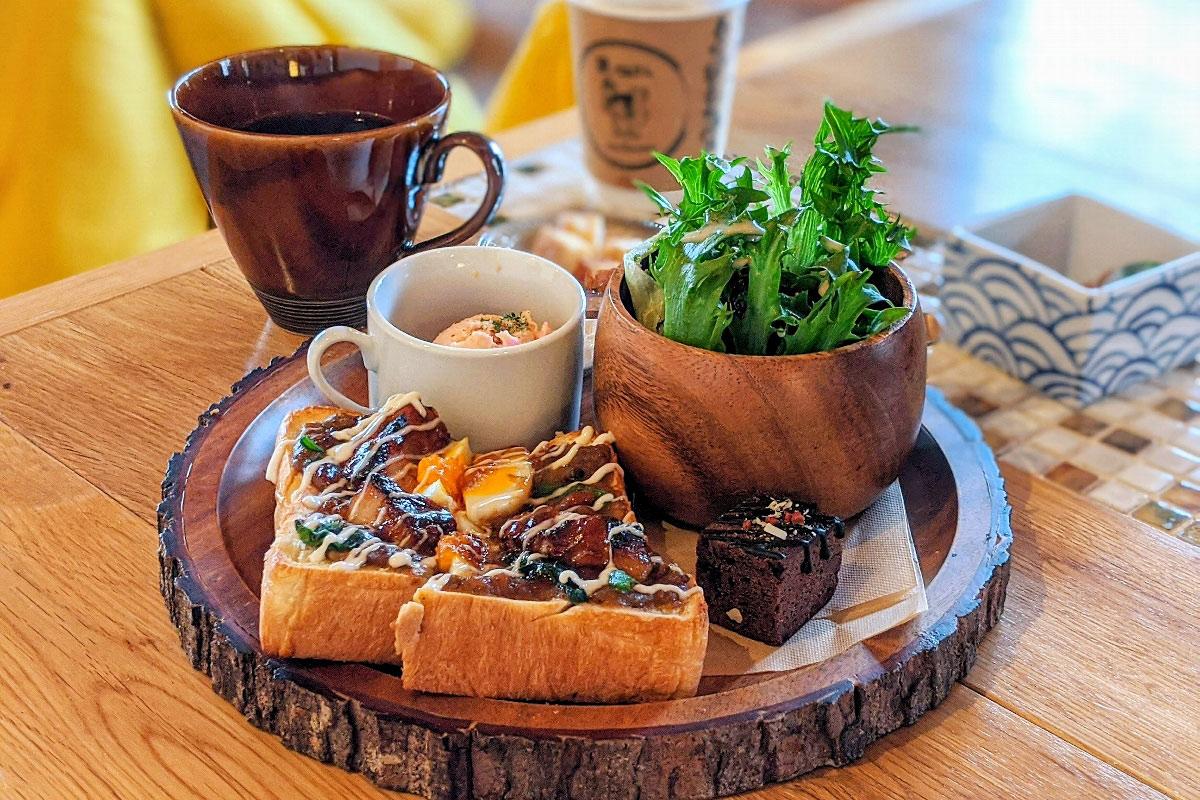 【岸和田】「猿とモルターレ」古民家の温もりを感じながら頂くトーストと珈琲
