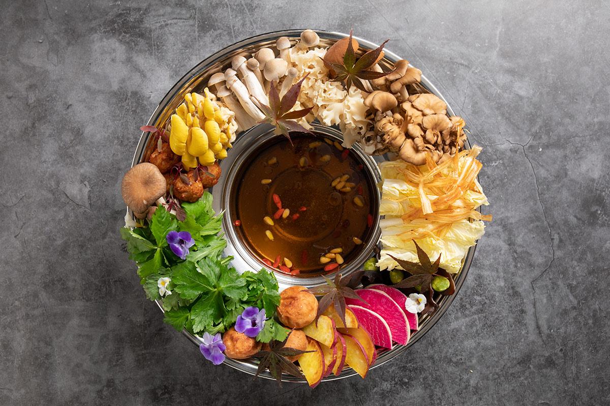 【京都】ベトナム南部の「花鍋」をアレンジ!華やかな精進鍋が人気店に登場